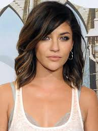 putting layers in shoulder length hair best 25 shoulder length layered hairstyles ideas on pinterest