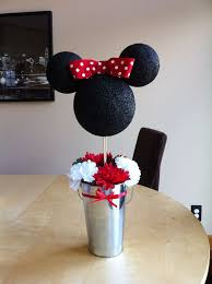 Ideas For Centerpieces For Birthday Party by Best 25 Mickey Minnie Centerpieces Ideas On Pinterest Minnie