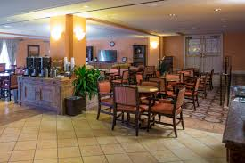 hotels near halloween horror nights in orlando club level rooms at loews portofino bay hotel at universal orlando