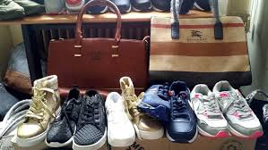 porta portese roma auto regalo borse e scarpe contraffatte vendute a porta portese e trastevere
