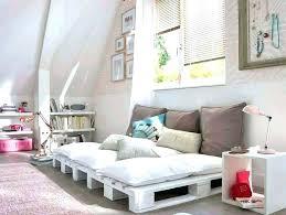 construire un canape avec des palettes canape lit palette 10 meubles de jardin en palettes de bois canape