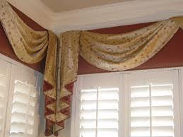 Curtain Cornice Ideas 87 Best Cornices Images On Pinterest Window Coverings Cornice