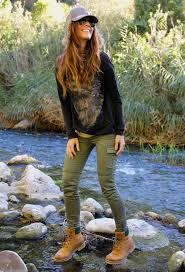 womens boots in fashion 20 style tips on how to wear hiking boots ideas gurl com