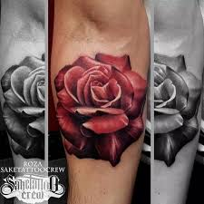 extraordinary realistic rose tattoo from roza sake tattoo crew