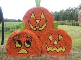 Outdoor Halloween Decorations With Hay 79 best hay bales images on pinterest hay bales straw bales and