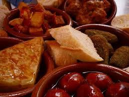 la cuisine espagnole exposé 12 tapas typiques que l on trouve dans un bar à tapas espagnol