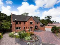 5 bedroom detached house for sale in 6 the walled garden shaw