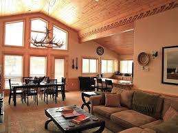 Lake Yellowstone Hotel Dining Room by Top 10 Vrbo Accommodation In West Yellowstone Montana Trip101