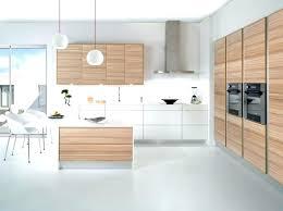 cuisines blanches et bois cuisine blanche moderne pour la cuisine in cuisine cuisine moderne