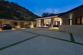 nice modern design luxury garages plans with small windows can add modern warm lighting luxury garages plans that can decor with grey concrete floor add