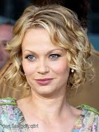 hairstyles for thin slightly wavy hair photo gallery of short hairstyles for fine frizzy hair viewing 12