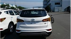hyundai santa fe facelift 2016 hyundai santa fe facelift nabbed undisguised in