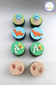 dinosaur cupcakes dinosaur cupcakes dinosaur themed cupcakes baby triceratops