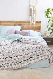 How To Make A Bed With A Duvet 25 Parasta Ideaa Bed Sets Pinterestissä Duvet