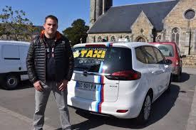 bureau des taxis présidentielle un chauffeur de taxi propose des courses