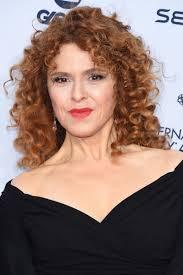 bernadette hairstyle how to bernadette peters medium curls bernadette peters shoulder length