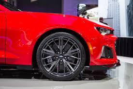 camaro ss with zl1 wheels 2017 camaro zl1 info power pictures specs wiki gm authority