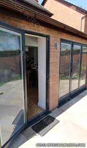 magnet operated integral blinds in bifold doors