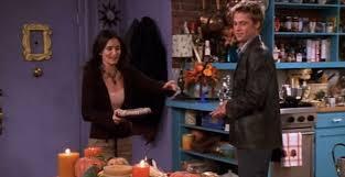friends fans glaring continuity error in thanksgiving episode