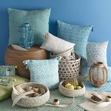 maison du monde housse de canapé housse de coussin à pompons en coton bleu 40 x 40 cm tanimber