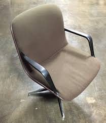 Mid Century Modern Swivel Chair by Vintage Steelcase Mid Century Modern Executive Office Swivel Chair