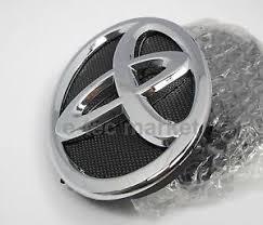 toyota yaris emblem toyota yaris 2007 2014 4 door sedan front grill emblem 7530152080