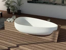 beyond egg shaped bathtub by danelon and federico meroni