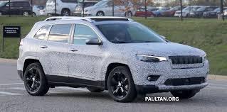 blue camo jeep spied 2019 jeep cherokee sheds some camouflage