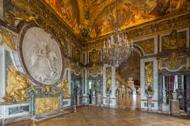 the hall of mirrors palace of versailles