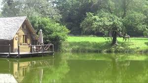 chambres d hotes en bourgogne cabanes sur l eau chambres d hôtes séminaires au vert château d