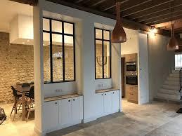cuisine salon salle à manger rénovation d une ancienne écurie en cuisine salon et salle à