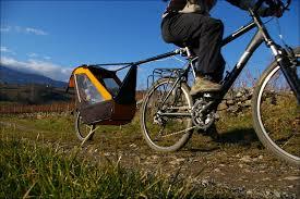 si e bebe velo tout sur le transport des enfants pour une longue randonnée à vélo