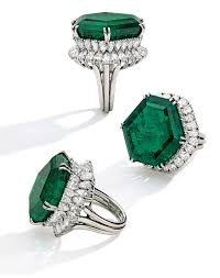 Emerald Legendary Stotesbury Emerald Last Seen In 1971 Emerges At New