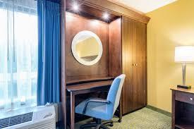 Comfort Inn Delaware Comfort Inn U0026 Suites Newark Wilmington Hotel In Newark De
