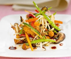 cuisiner des legumes faites cuire des légumes sautés à l orientale recette légumes