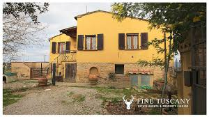 fully detached house for sale in volterra tuscany italy