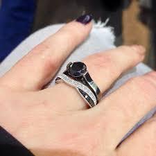 an welcher trã gt den verlobungsring die besten 25 ehering trägt wo ideen auf wedding