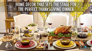 home décor that sets the stage for the thanksgiving dinner
