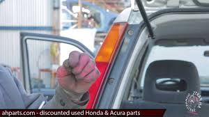 2001 Honda Passport Reviews How To Install Change Tail Light Lamp 1997 1998 1999 2000 2001