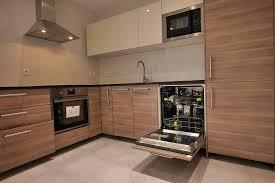 ikea installation cuisine cuisine blanche et noyer 9 davaus cuisine ikea brokhult avec