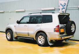mitsubishi pajero 3 0 2001 technical specifications interior and