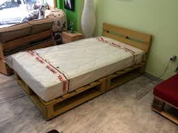 Making A Platform Bed Out Of Pallets by Diy Pallet Platform Bed Ideas For Build A Pallet Platform Bed