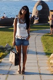 Famosos Meu Look: Blusa de crochet + Short jeans | BetaPinheiro.com &YE11