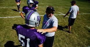 photos how baxter is adjusting to 8 man football after 29 years
