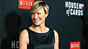 robin wright still has not received equal pay for house of cards