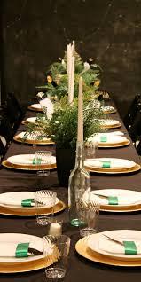 christmas decoration table ideas with white flowers arrangement