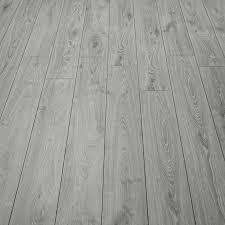 Light Grey Laminate Flooring Best 25 Grey Laminate Flooring Ideas On Pinterest Laminate