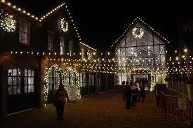 celebrate christmas with the holiday lights at cheekwood in nashville