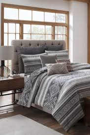Best Duvet For Winter 4 Best Reasons To Buy Winter Bedding On Clearance Overstock Com