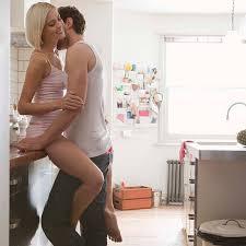 faisant l amour dans la cuisine qui dure pimentez votre vie amoureuse amour plurielles fr